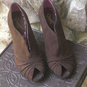 Brown suede boot like shoe